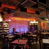 photo of puckett's murfreesboro restaurant