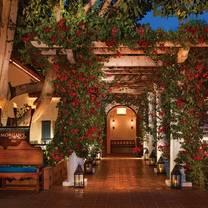 photo of a la quinta holiday restaurant