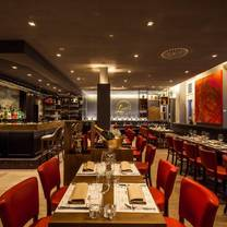 foto von louis casual italian dining restaurant