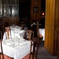 photo of le petit paris restaurant