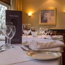 foto de restaurante aqua brasserie at the hotel royale