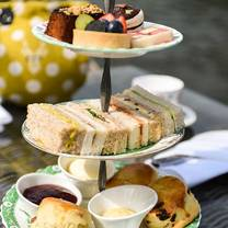 photo of afternoon tea at the oakley court restaurant