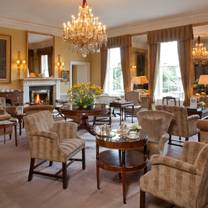 foto von afternoon tea at the merrion hotel restaurant