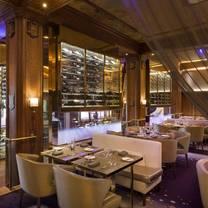 photo of le champlain restaurant - fairmont château frontenac restaurant
