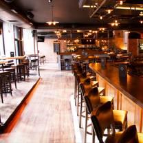 foto de restaurante amity hall uptown