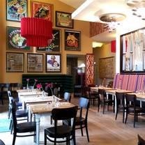 foto von rennbahn gastronomie restaurant