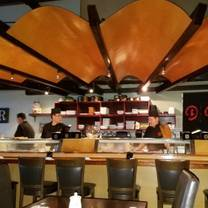 photo of en sushi restaurant