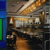 photo of legal sea foods - kendall square restaurant