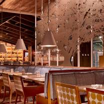 foto von founding farmers - tysons restaurant