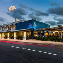 photo of full moon hotel restaurant