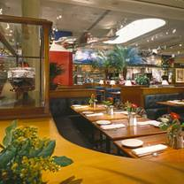 photo of clyde's of chevy chase restaurant