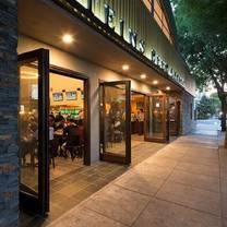 foto von steins beer garden restaurant