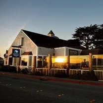 foto von half moon bay brewing company restaurant