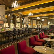 photo of oak long bar + kitchen restaurant