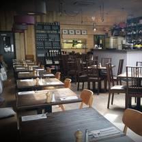 photo of bistro este restaurant