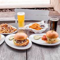 photo of zinburger wine and burger bar – tucson river restaurant
