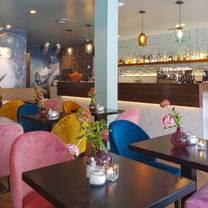 photo of chinaski tagesbar restaurant