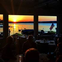 photo of edgewater pewaukee restaurant