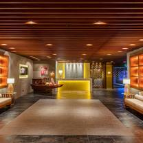 photo of harbourview hotel - season's hot pot restaurant