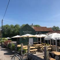 photo of the hollybush restaurant