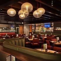 photo of houlihan's - wheaton restaurant