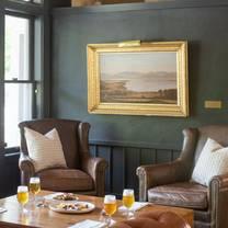 foto von the pitcher inn restaurant