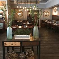 photo of hot tuna restaurant
