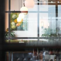 photo of the crest gastropub - parsons restaurant