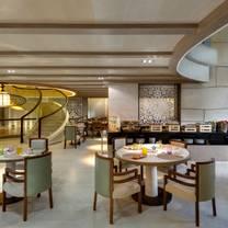 photo of candelabra at kempinski summerland hotel & resort restaurant