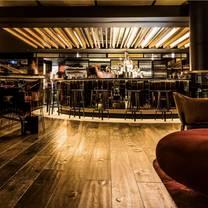 foto von waterslide bar restaurant