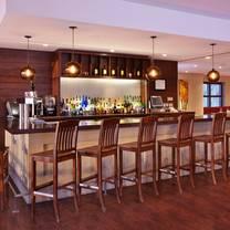 foto von the york bistro & pub at hilton saint john restaurant