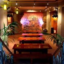photo of thai square minories restaurant