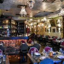 photo of la vecchia - yonge & eglinton restaurant