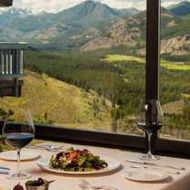 photo of the dining room at sun mountain lodge restaurant