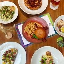 photo of open palette restaurant