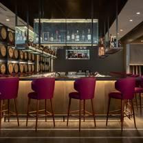 photo of daniel's broiler - downtown seattle restaurant