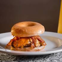 photo of we love burgers - condesa restaurant