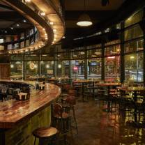 photo of parlor pizza bar - river north restaurant
