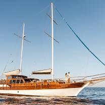 foto de restaurante tu enamorado luxury dinner yacht cruise