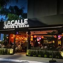 photo of la calle cocina y barra restaurant