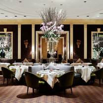 photo of the carlyle restaurant restaurant