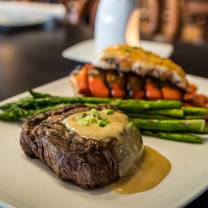photo of diamonds steak & seafood - royal oak restaurant