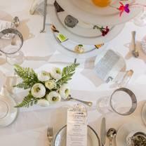 photo of the courtyard tea room restaurant