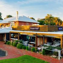 photo of the deck at flinders hotel restaurant