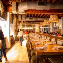 photo of yardbird southern table & bar - miami restaurant