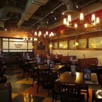 photo of uno pizzeria & grill - smithfield restaurant