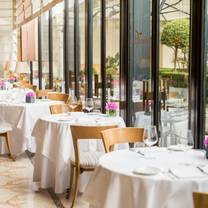 photo of la veranda at four seasons milan restaurant