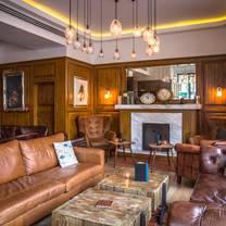 photo of london house restaurant