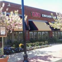 photo of uno pizzeria & grill - merrifield restaurant