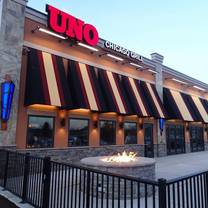 photo of uno pizzeria & grill - oaks restaurant